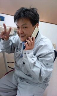 平賀さん電話中.jpg