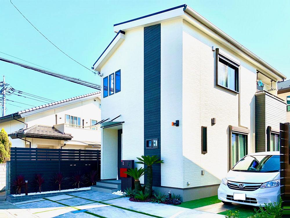 白と黒を基調にした高級感のあるお家