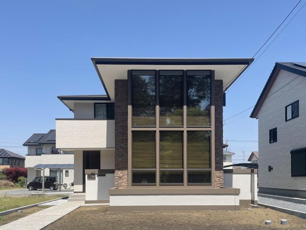 オーガニックハウス「キーストン」 大きなガラス面が特徴のお家